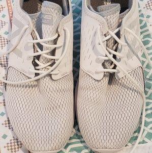 New Balance Women's Coast-v3 Running shoe size 8.5